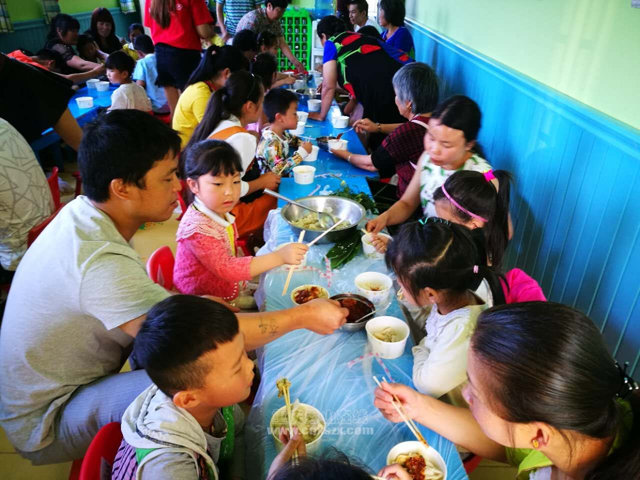 吃饺子3.jpg